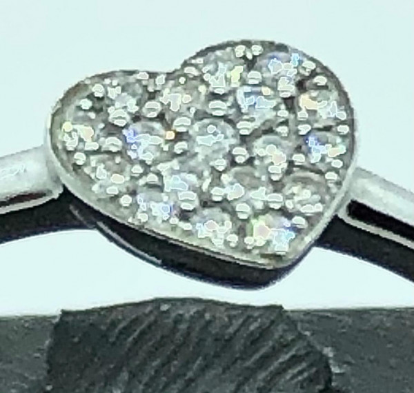 Sortija oro blanco con corazón de diamantes