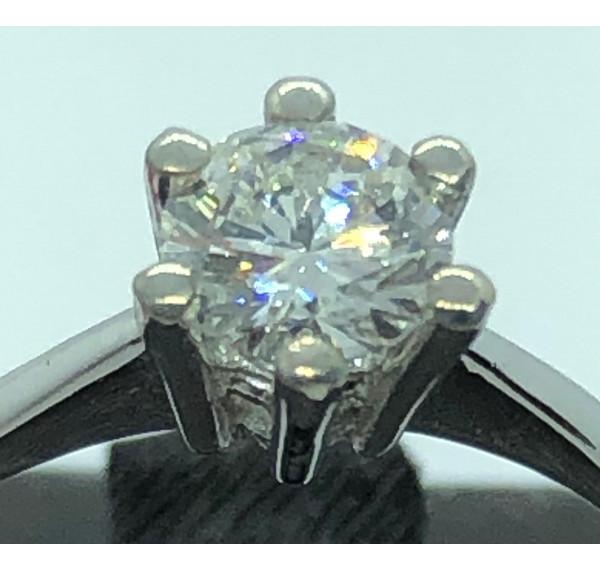 Solitario oro blanco y diamante 0,58cts
