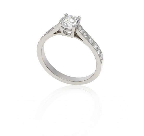 Solitario de oro blanco y diamante modelo Cartier 3206